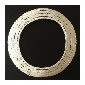 Ulrike Stolte A4 Applikationszyklus 100x100x35cm 2009 PVC Crocheted Wool Textile Circle White