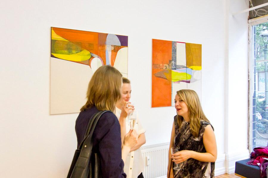 ulrike stolte crossing cocoons solo show vernissage kunstundhelden galerie erd und feuer 2015